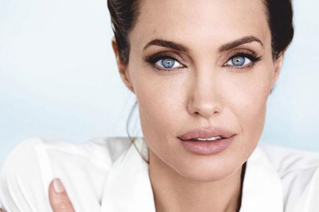 BRLentes_Celebridades_Angelina_Jolie