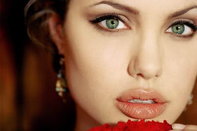 BRLentes_Celebridades_Angelina_Jolie2