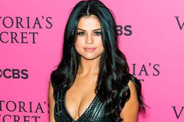 BRLentes_Celebridades_Selena_Gomez2